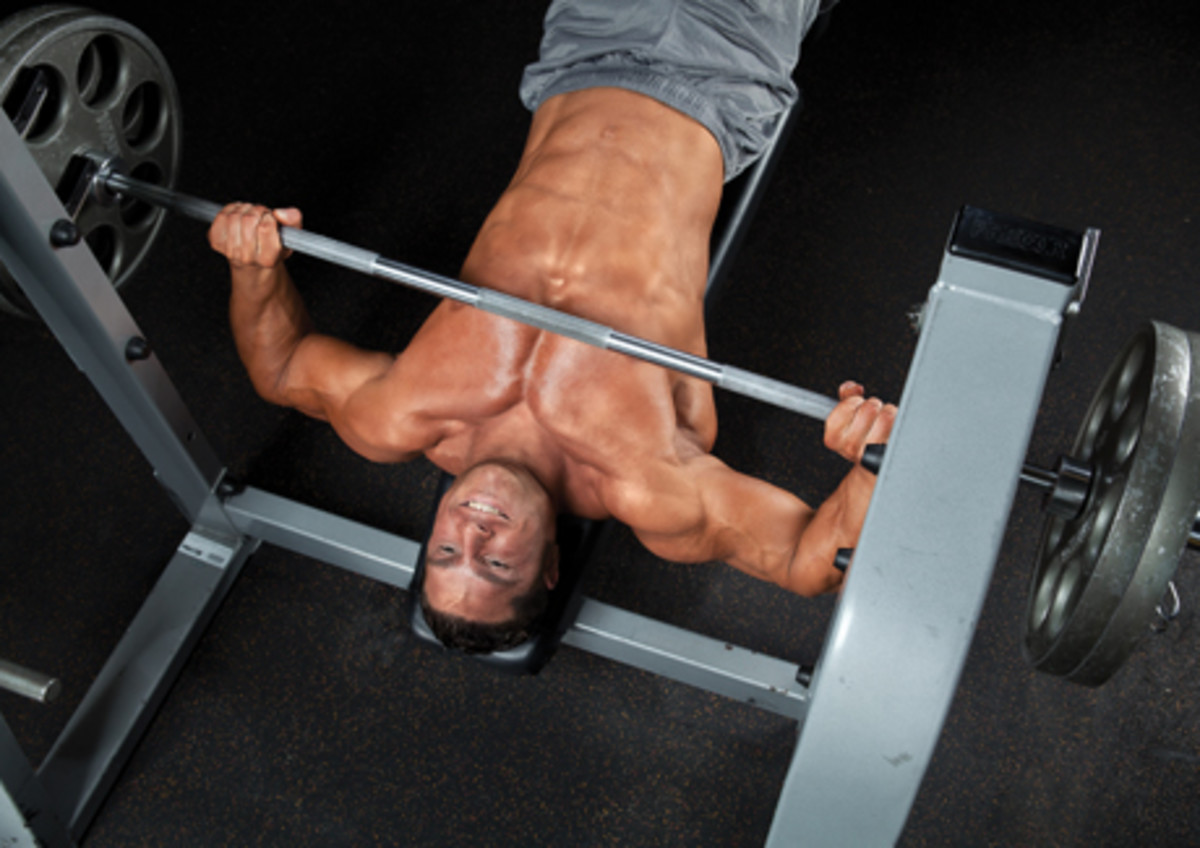 Study: Decline Bench The Best For Chest Muscle Growth